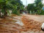 Banjir Bandang di Kabupaten Tuban, Banyak Warga Yang Panik Berhamburan